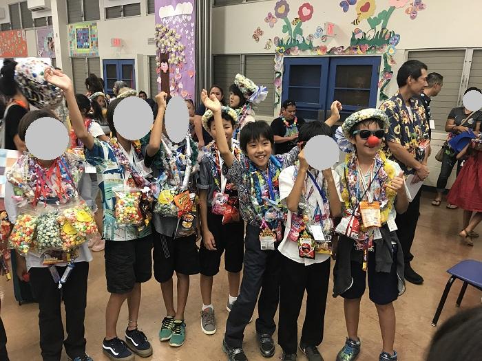 ハワイ 小学校 卒業式