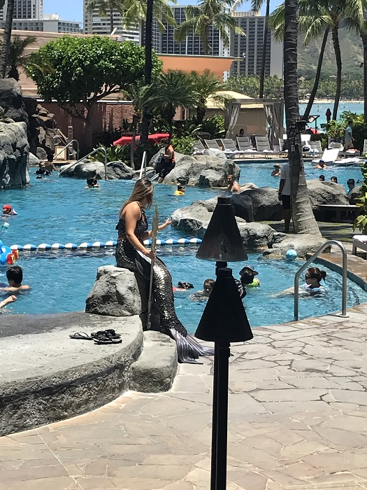ハワイ ホテル プール