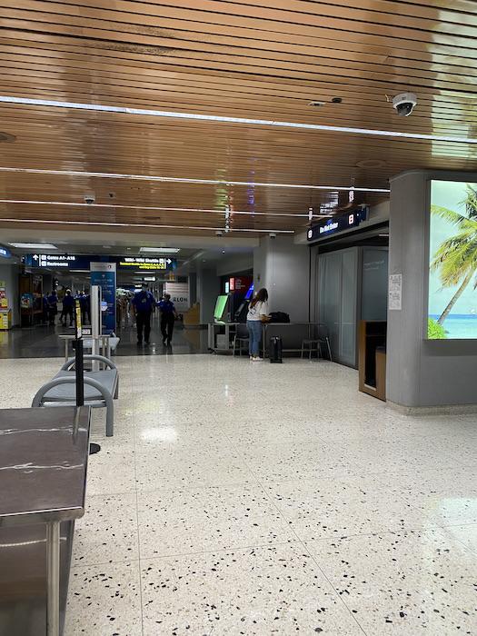 ホノルル空港 ハワイ