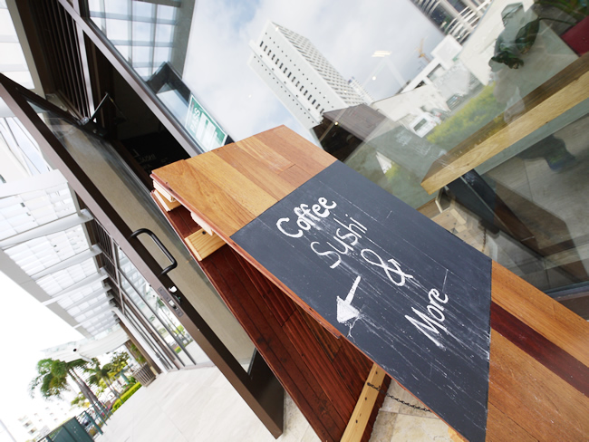 Up Roll Cafe Hawaii